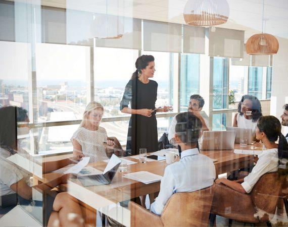 Motywacja czy monitoring, czyli jak skutecznie nauczyć pracowników języka